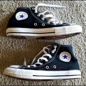Kids Converse size 3 Black Hightops